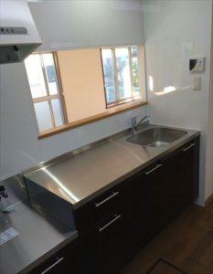 戸建てのキッチンリフォーム、サンワカンパニーの施工例 blockkitchen system-kitchen