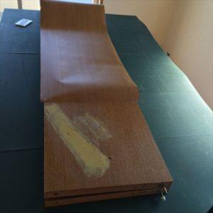 クローゼットドアの傷補修 ダイノックシート(フィルム)の施工例 doorrepair