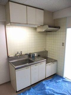 マンションのキッチン交換,アイオキッチン,イエロー blockkitchen