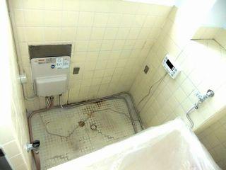 柏市RCマンションの浴室リフォーム バランス釜から壁貫通型へ  waterheat balancewh