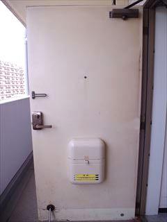 マンションのスチールドア(鉄扉塩ビフィルム) 補修、原状回復 doorrepair