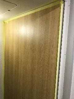 ユニットバス 明るいウッド柄のアクセントパネル施工例 bathrepairfilm unitbath