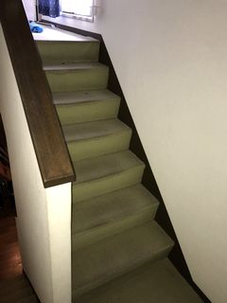 屋内コンクリート階段のリフォーム カーペットからフローリング施工例 reformkaidan interior