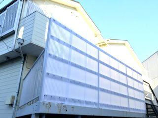 バルコニーの波板交換 鉄製ボルトからポリカフックへ交換施工例 commonareas exterior